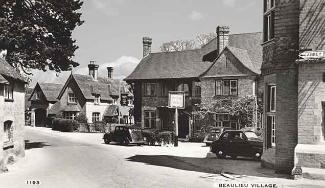 Beaulieu village - the Montagu Arms Hotel (picture probably taken in the 1950s)
