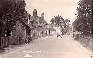 Beaulieu High Street - an image from 1931