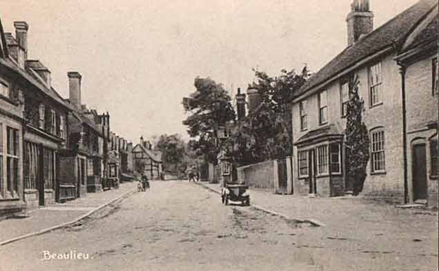 Beaulieu village - the High Street in the early 20th century