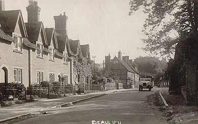 Beaulieu High Street in around 1920