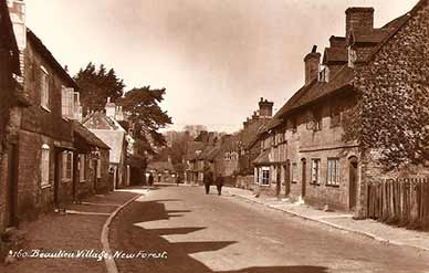 Beaulieu High Street - another image dating perhaps from the 1930s
