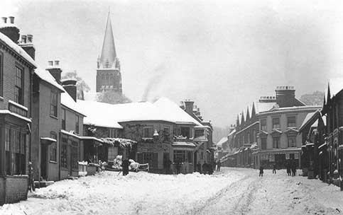 Lyndhurst High Street - a very early 20th century view showing the High Street after a fall of snow