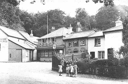 The New Forest Inn as it was in the early years of the 20th century