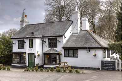 The Crown Stirrup, Lyndhurst